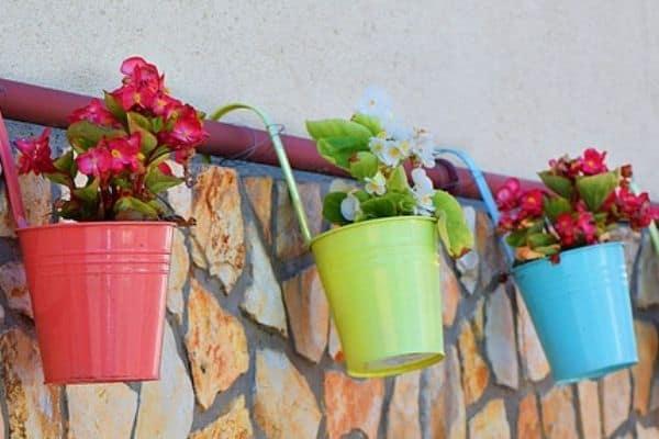 15 Space Saving Garden Planters
