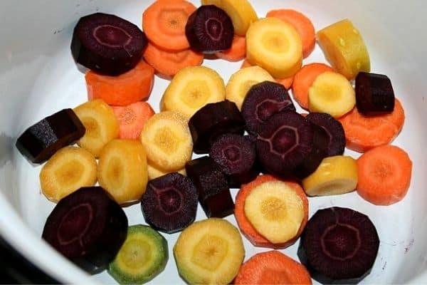 sliced purple carrots